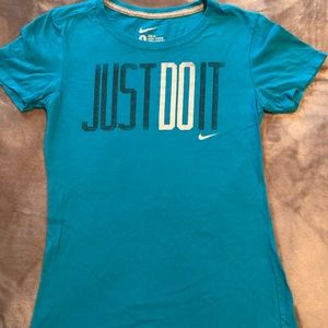 Women's Nike Shirt.  Size small.